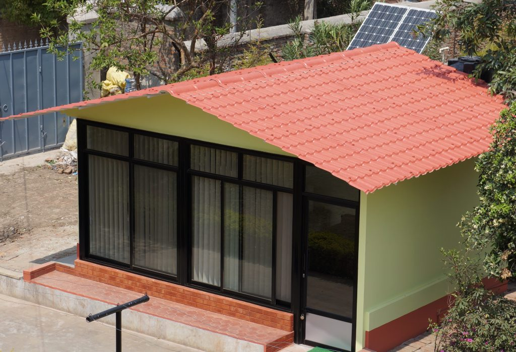 Earthquake-Resistant Home Office