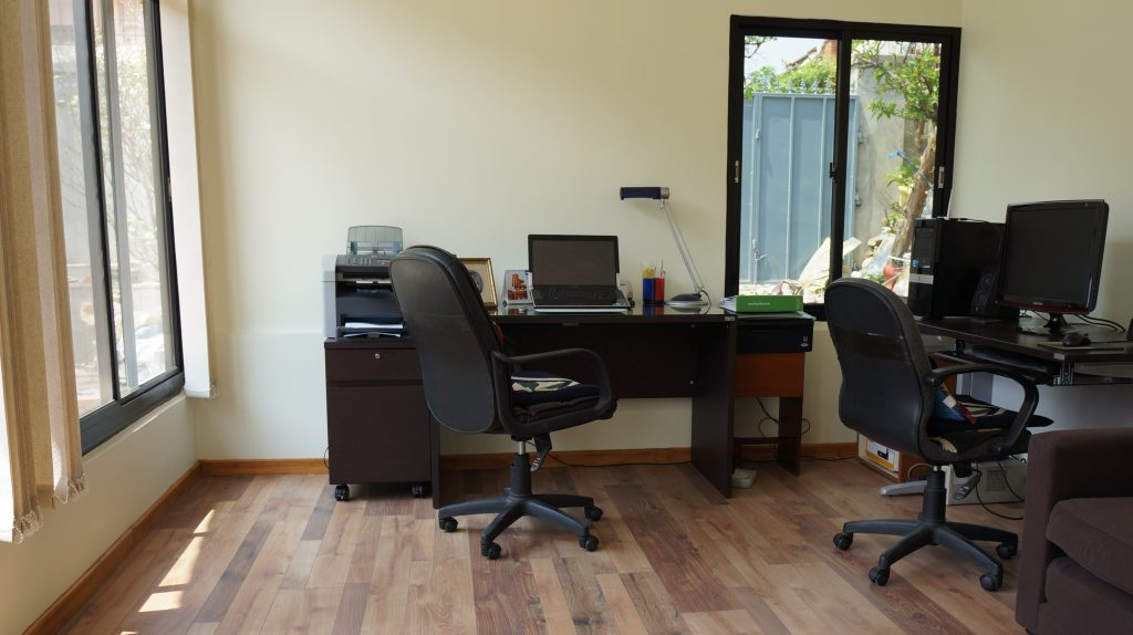 Earthquake-Resistant Home Office - Interior